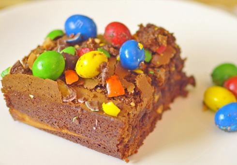 Браунис со чоколадо и путер од кикирики